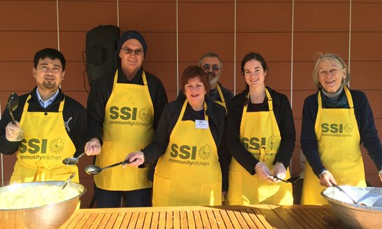 SSI volunteers celebrate Eid al-fitr with asylum seekers and refugees